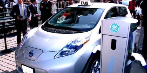 Taxi eléctrico de Bogotá.
