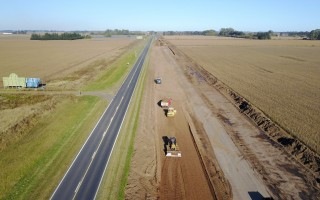 Construcción de la autopista sobre la Ruta Nacional 7